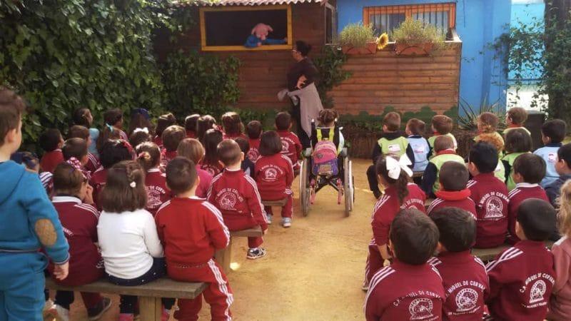 Visita escolar a nuestro taller de Títeres de la granja escuela