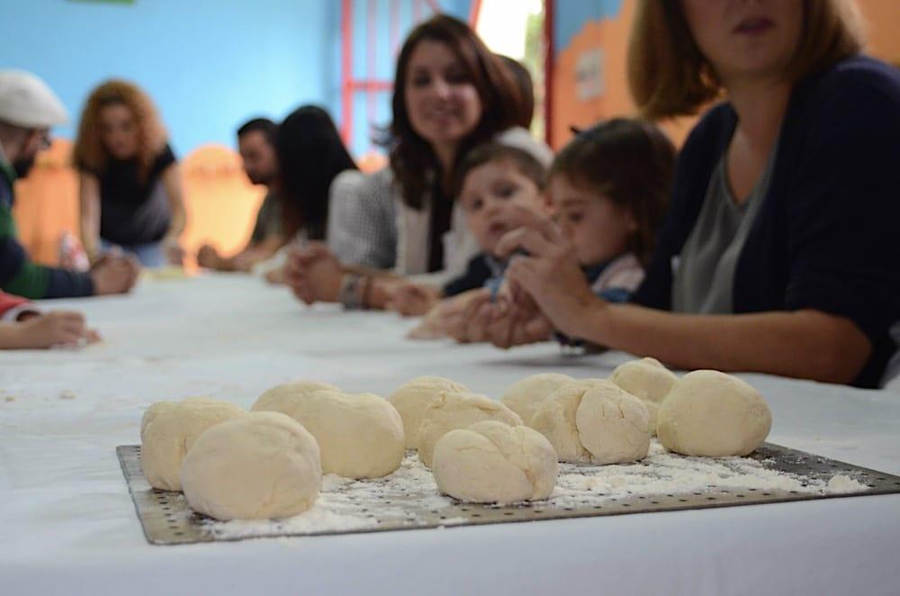 Cómo hacer pan en familia